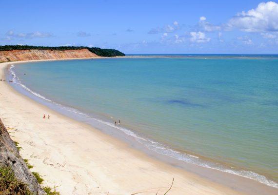 Quais as maiores vantagens de visitar praias desertas?
