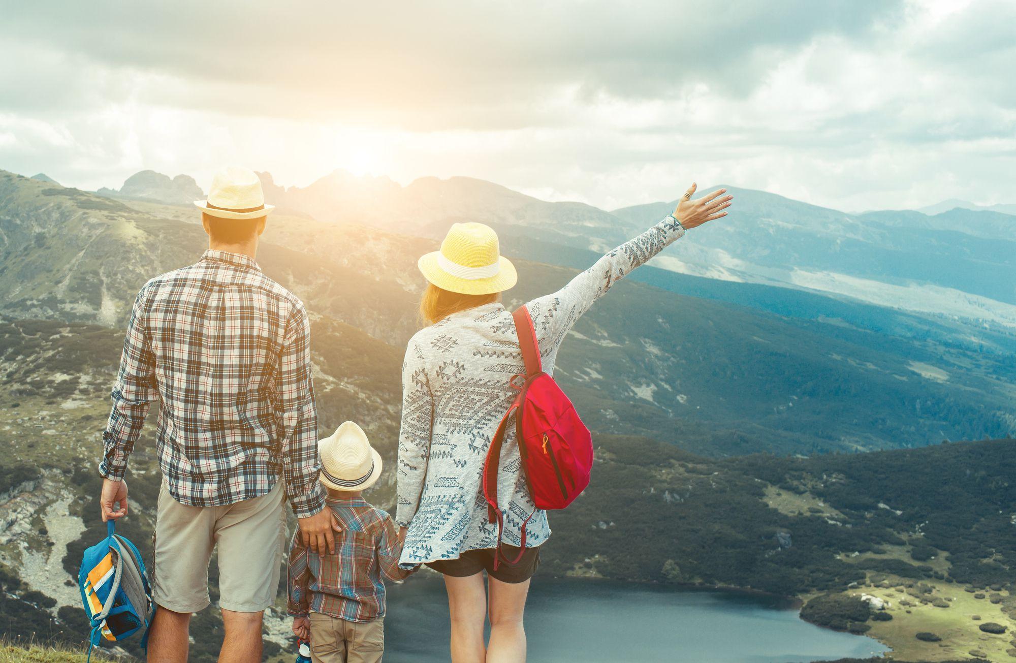 Descubra 6 destinos ideais para uma viagem em família